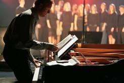 HG at piano